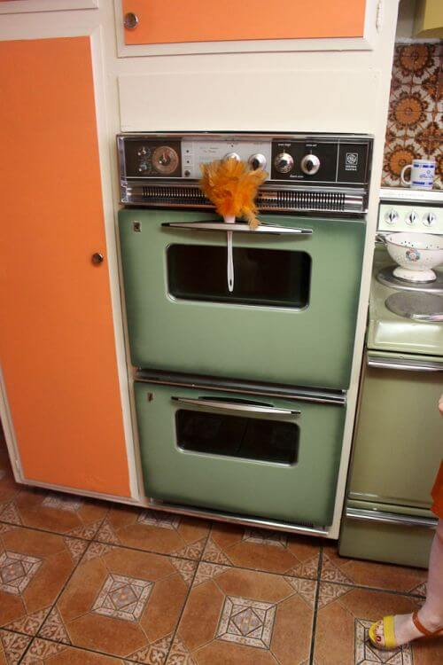 spray-paint-oven