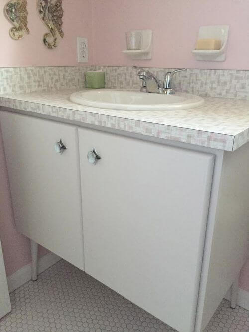 retro pink bathroom