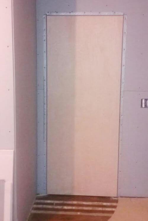 flush door jamb