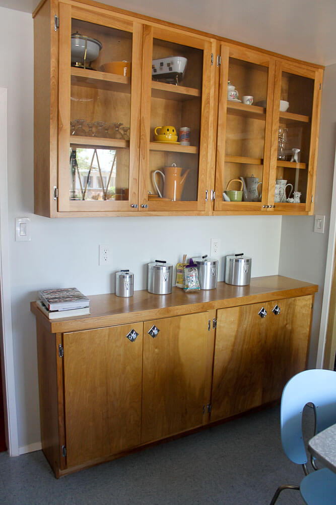 Birch cabinets transform Heidi & Scott's 1950s kitchen ...
