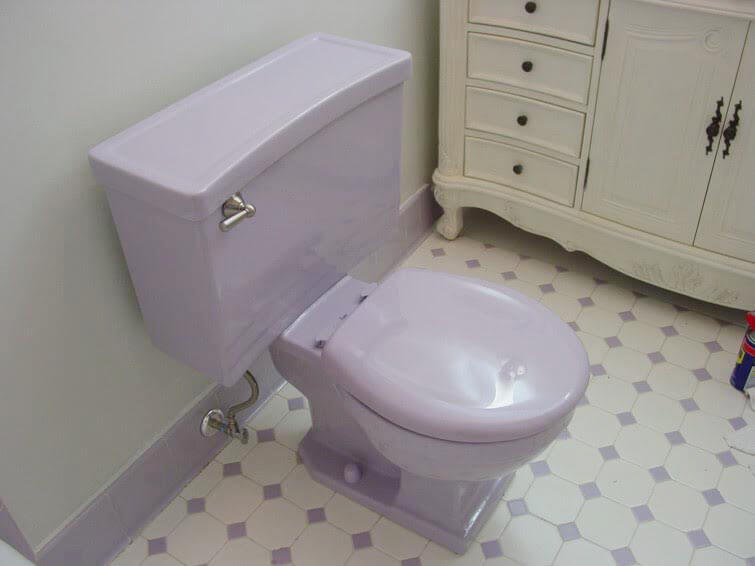 retro lavender bathroom