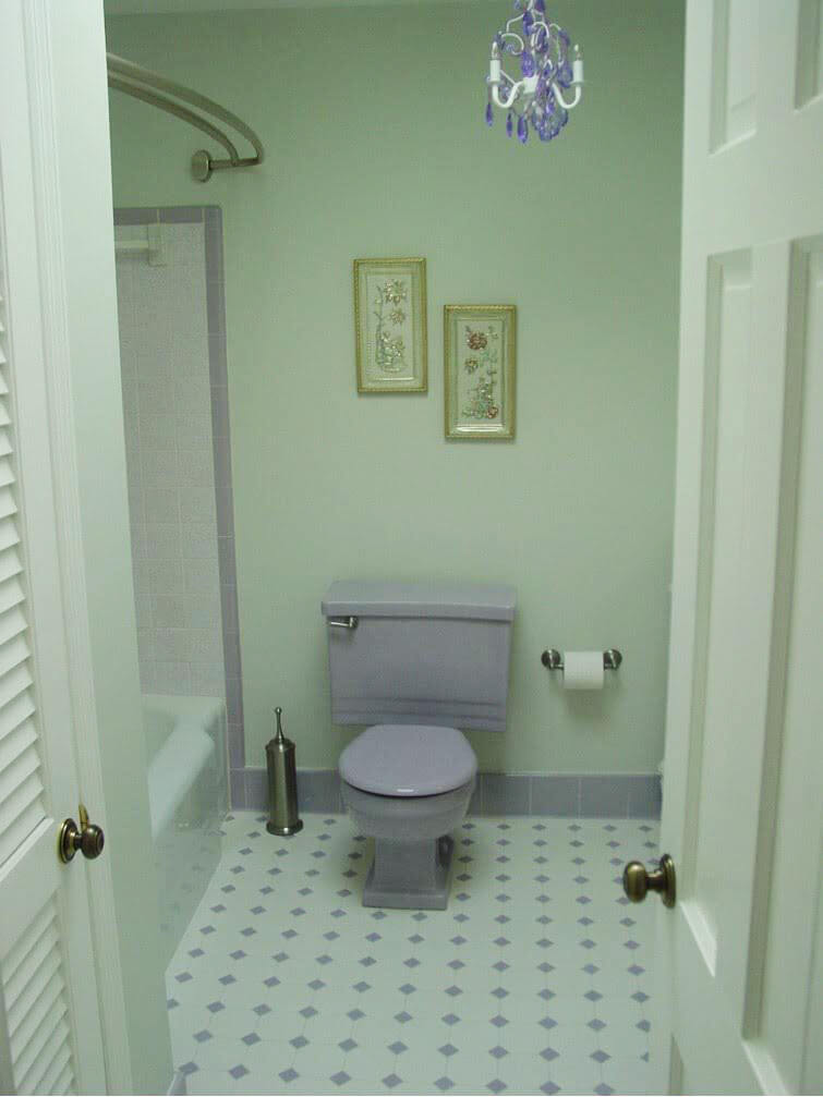 Amy And Mack 39 S Lovely Lavender Bathroom New Toilet From Restore Retro Renovation