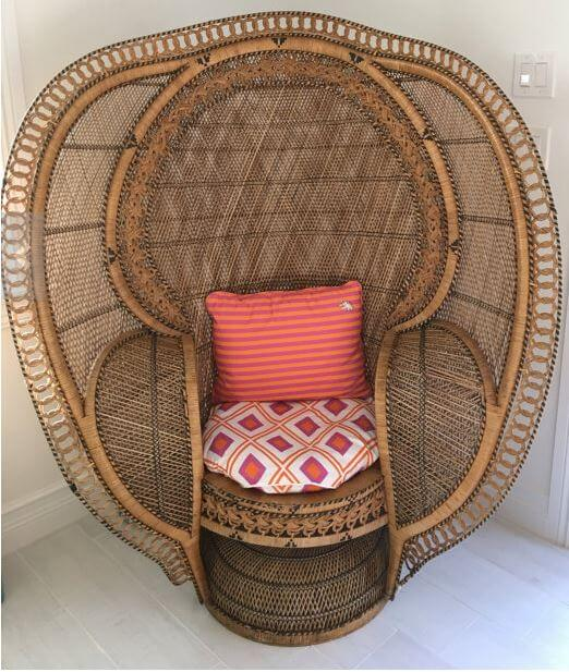 peacock chair cobra