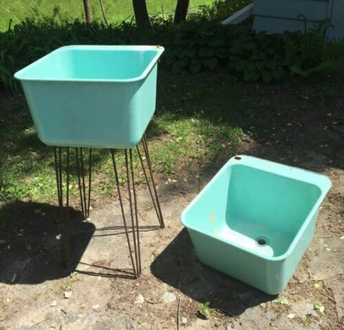 old-washtubs