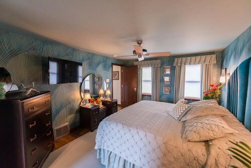 1940s-bedroom-2