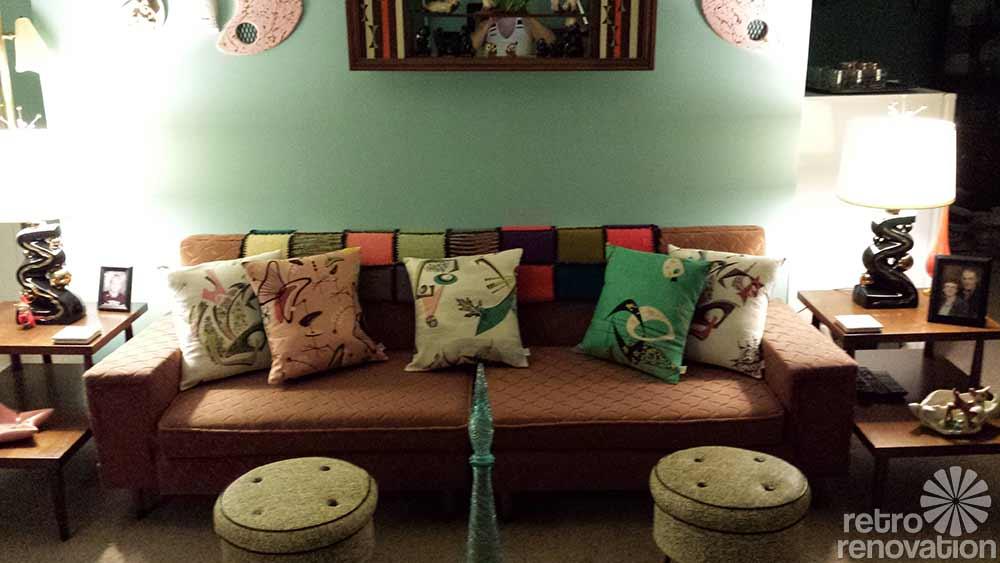 copy_0_frieze-couch-1-767c7eaf87ccbe91af112e778590c9cbc6ff5707