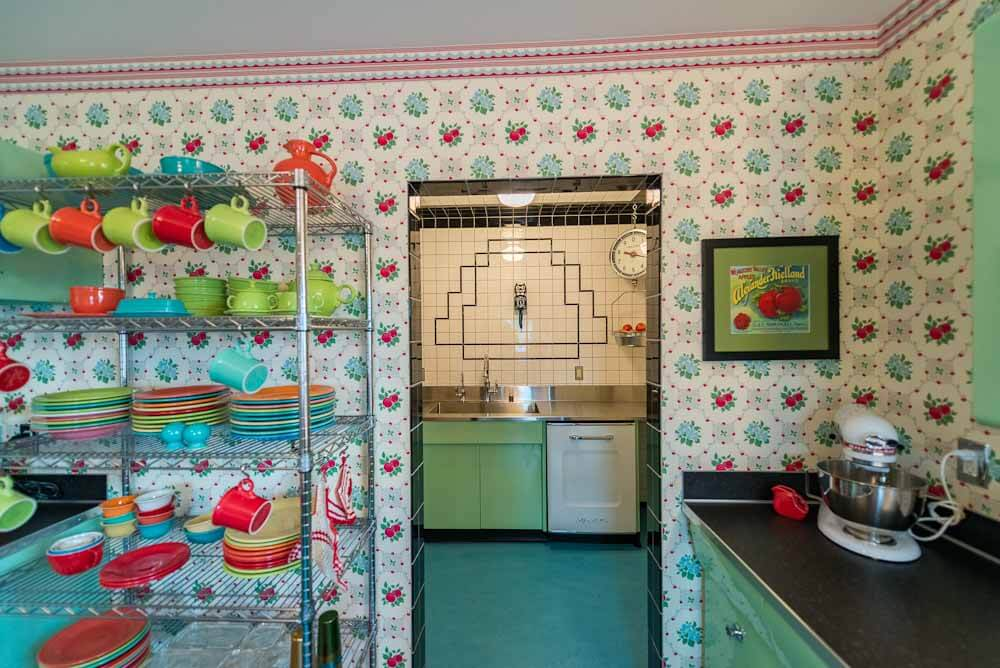 bradbury and bradbury apple betty wallpaper