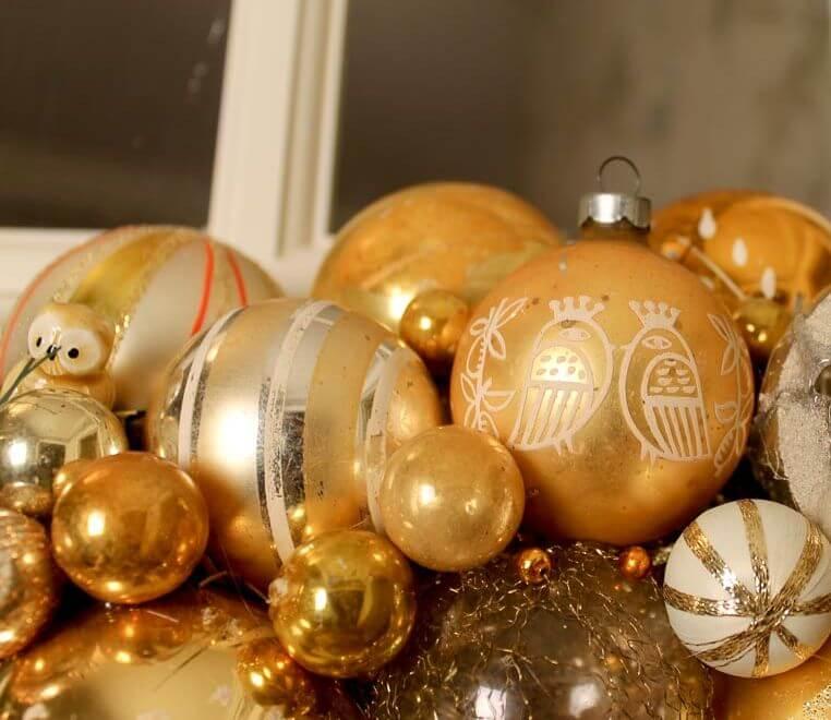 tiny christmas ornaments