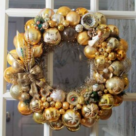 gold ornament wreath made by Pam of Retro Renovation