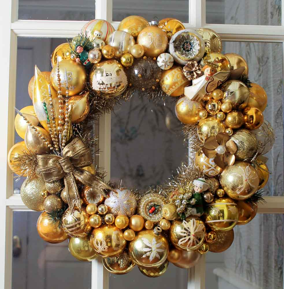 gold ornament wreath