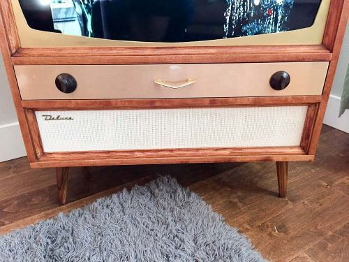 details to make a tv cabinet look retro