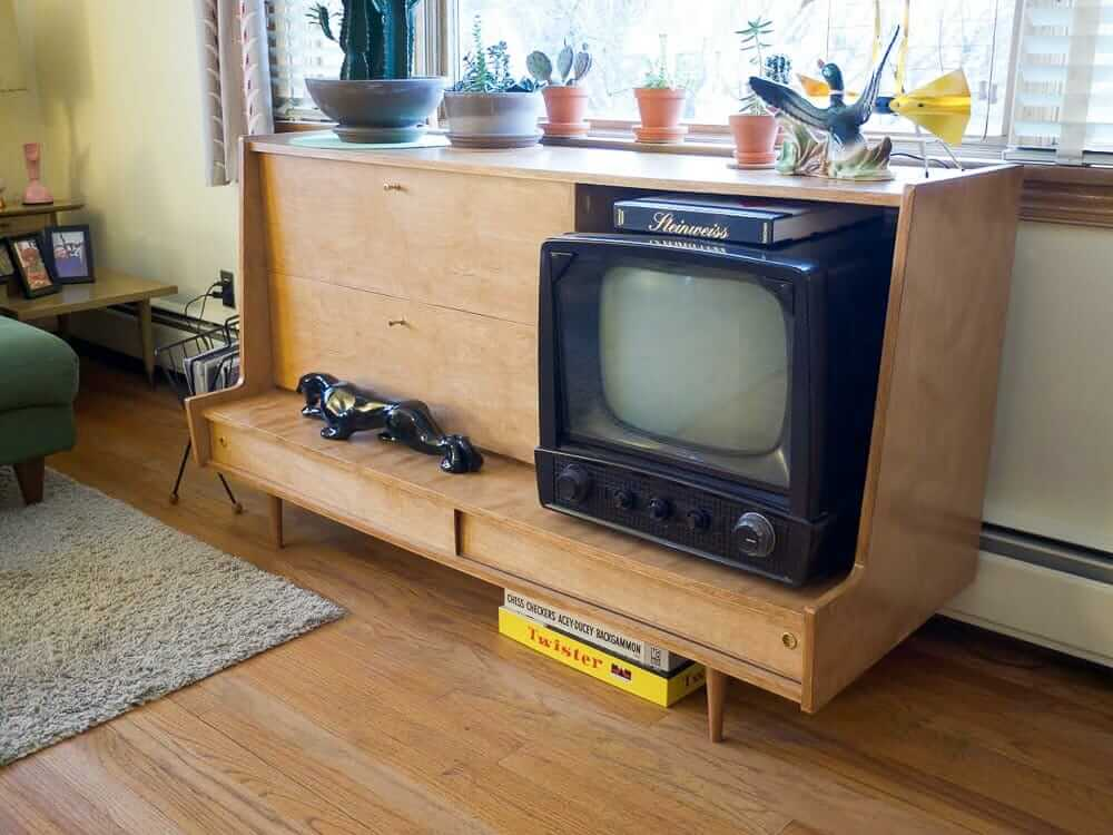 Chrisu0027s DIY Midcentury Modern TV Cabinet Inspired By Paul McCobb