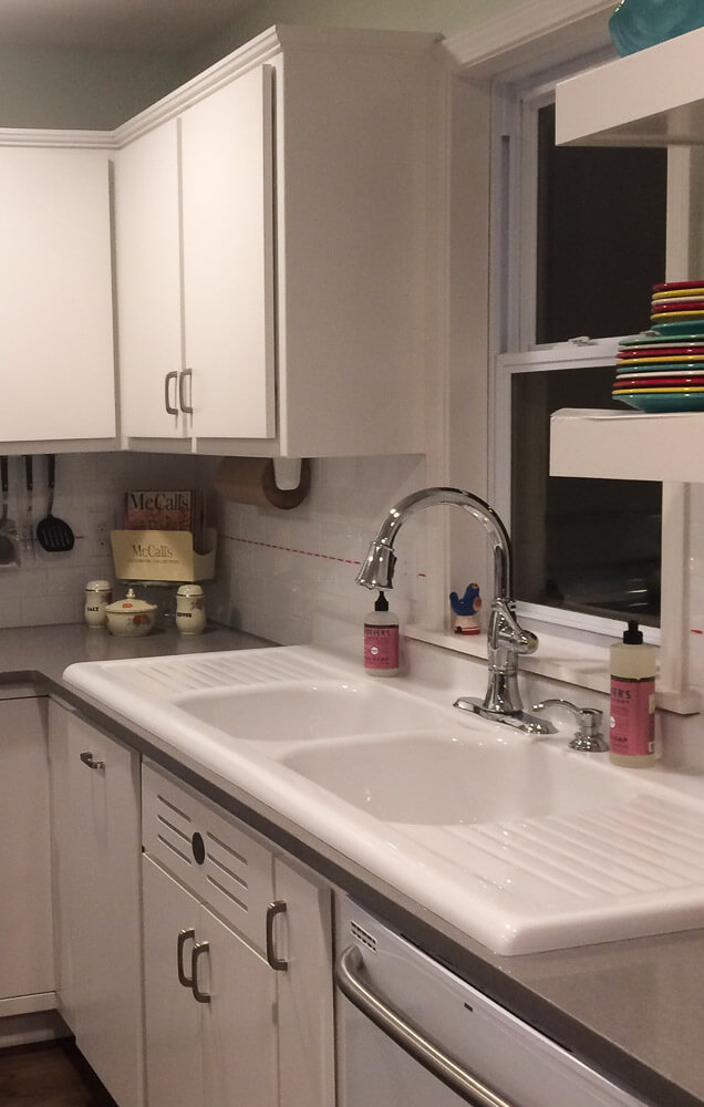 Ladonna Creates A Retro Style Kitchen That Would Make Her