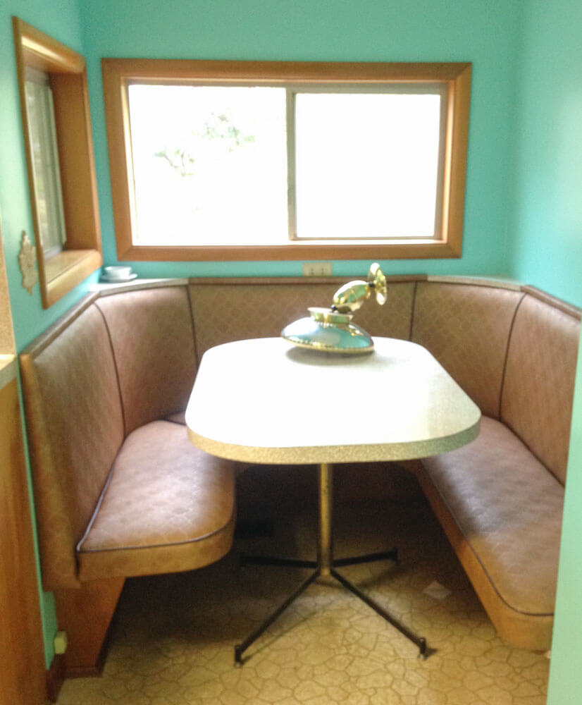 A built-in kitchen banquette and more in today's Show 'n Tell ...