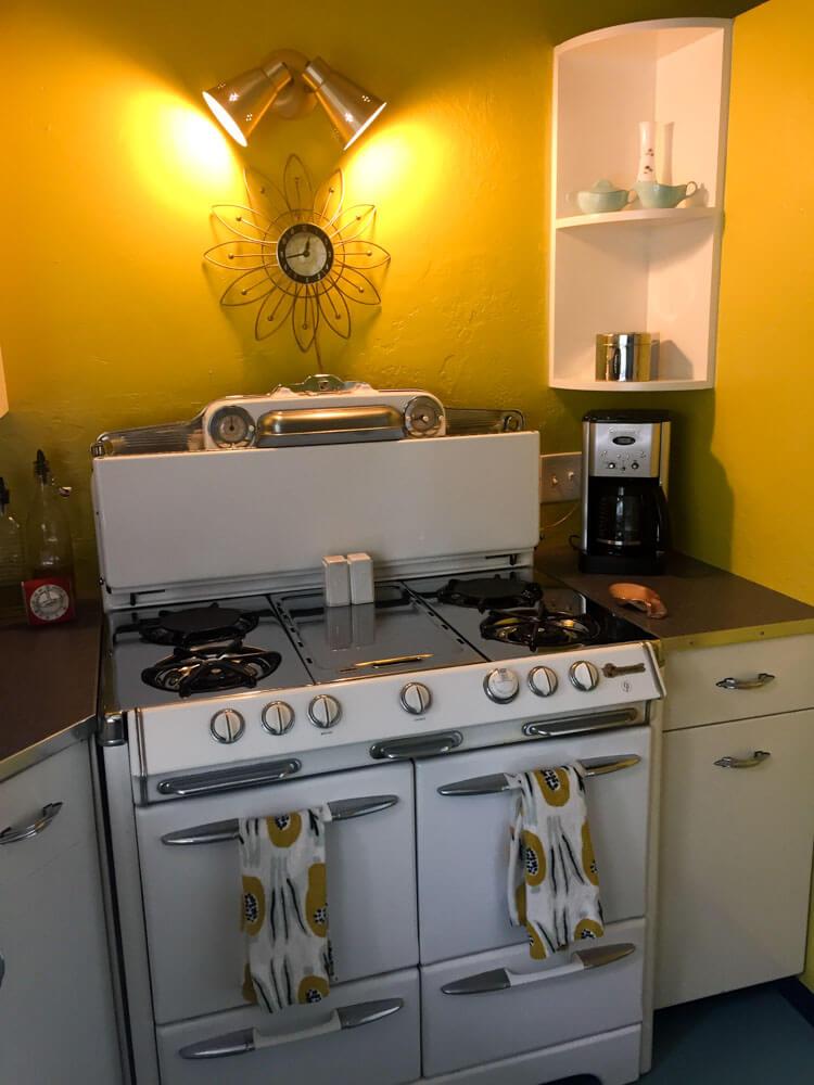 vintage okeefe and merritt stove