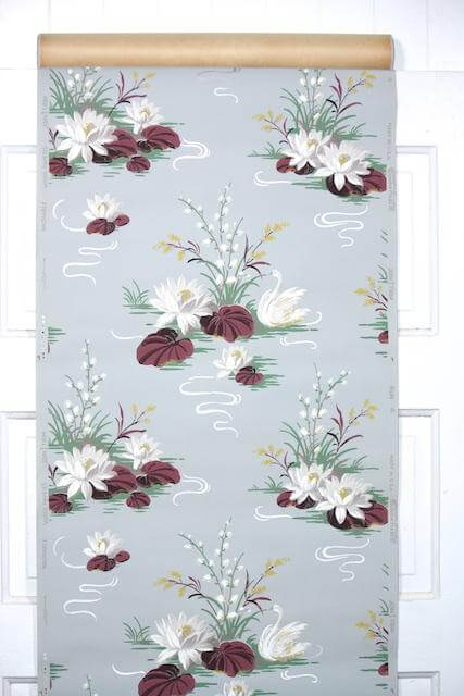 The 1940s And 1950s Vintage Bathroom Wallpapers At Hannahs Treasure Are Just Gorgeous Many Of Them So Glamorous Nick Nora I Need A Bubble