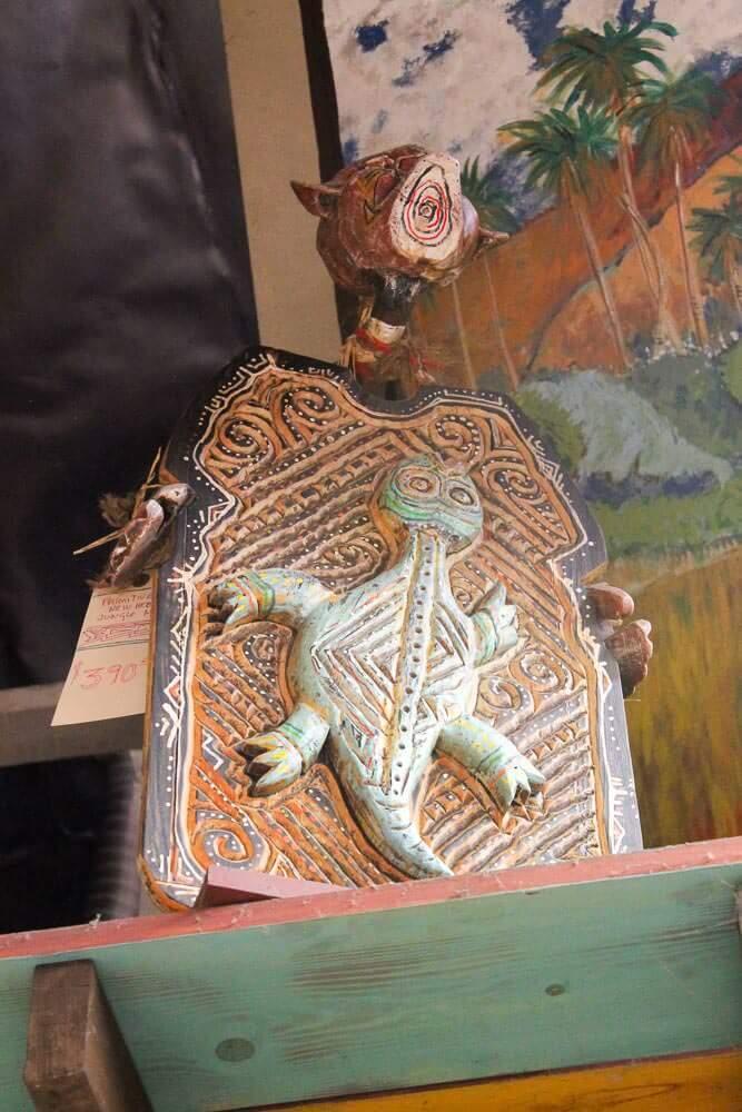 Lizard carving by LeRoy Schmaltz