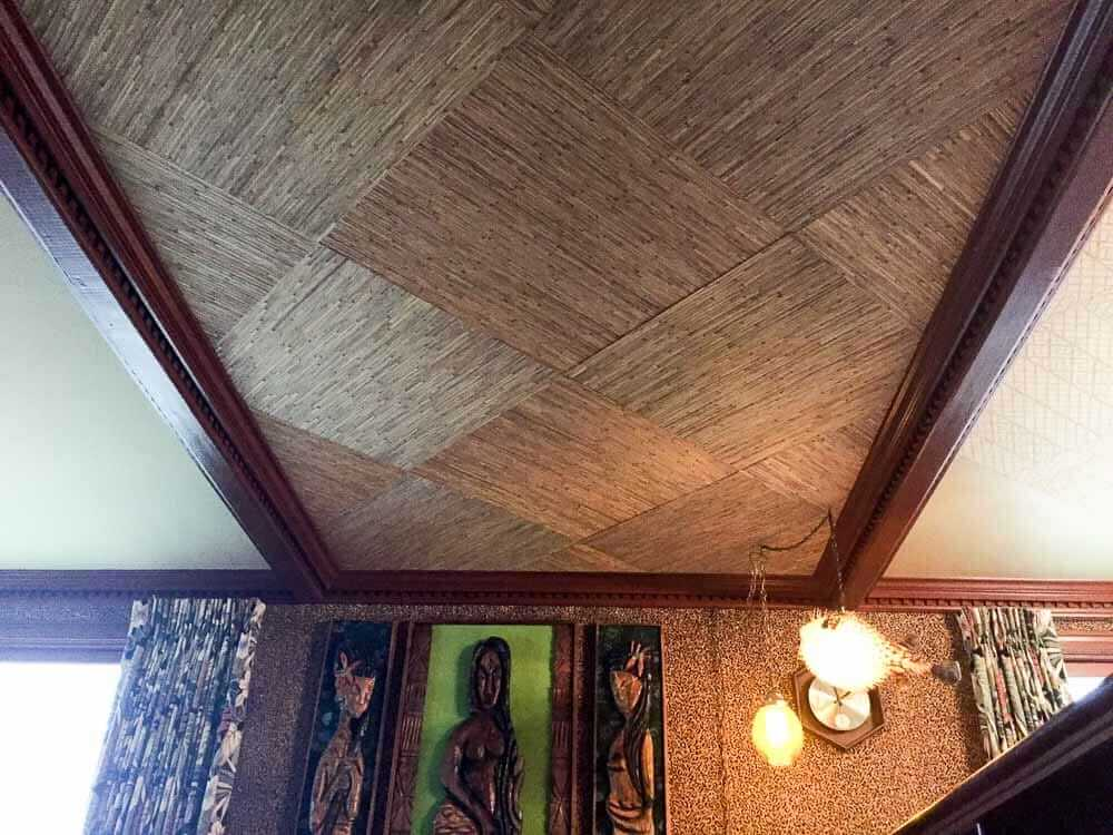 grasscloth wallpaper ceiling