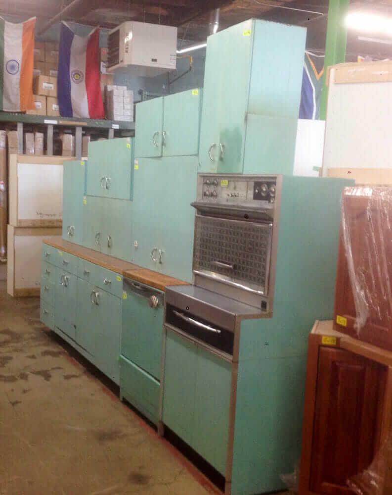 Amy saves a 1957 Harrison pink steel kitchen - now on display in her ...