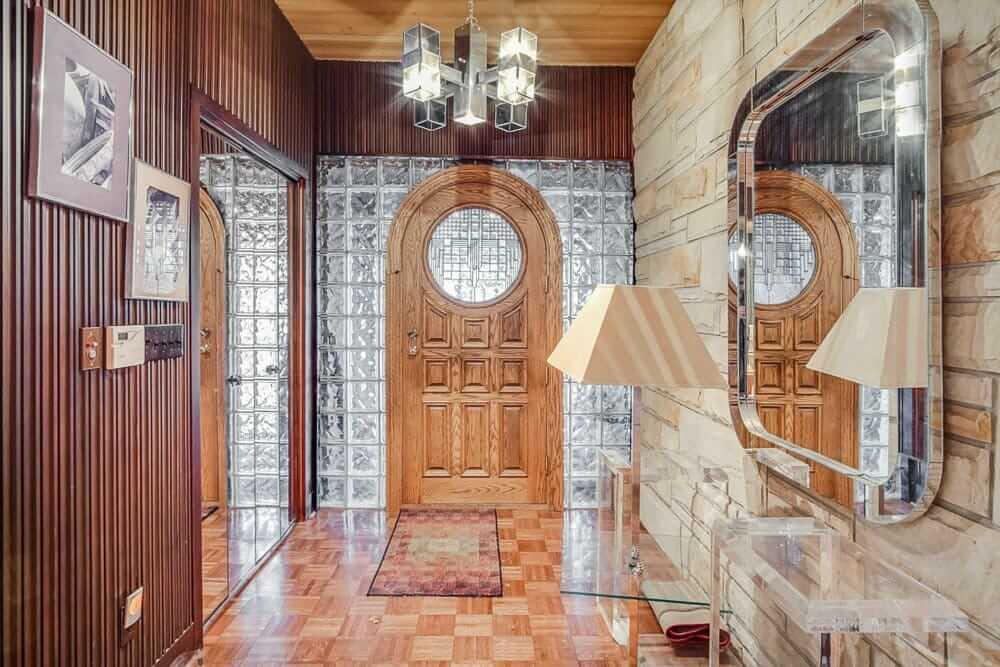 1978 house foyer