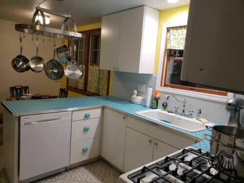 blue kitchen countertops