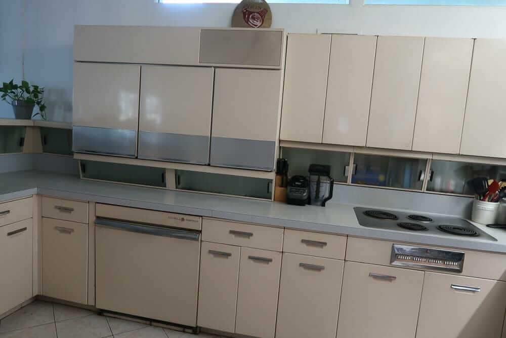 Vintage GE kitchen 'cabinettes'