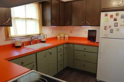 brady bunch style kitchen