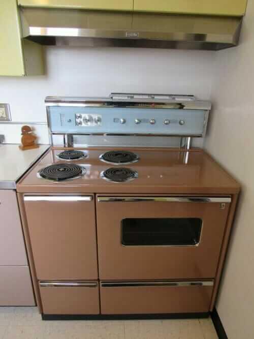 1961 GE stove range