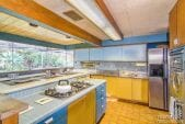 midcentury-retro-60s-kitchen